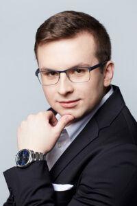 Dawid Stępniewski MŁODSZY PRAWNIK