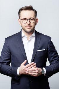 Piotr Sawicki ADWOKAT – WSPÓLNIK ZARZĄDZAJĄCY